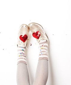 ban.do heart shoe clips // perfect stocking stuffer - and you can still get them on-time for Xmas! via @ban.do