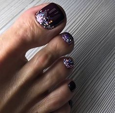 The advantage of the gel is that it allows you to enjoy your French manicure for a long time. There are four different ways to make a French manicure on gel nails. Pretty Toe Nails, Cute Toe Nails, My Nails, Toe Nail Color, Toe Nail Art, Nail Colors, Gel Zehen, Gel Toes, Gel Toe Nails