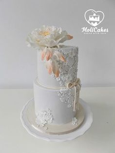White wedding ... by MOLI Cakes - http://cakesdecor.com/cakes/282947-white-wedding