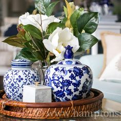 Kitchen table centerpiece bowl blue and white 69 best Ideas Arrangements Ikebana, Floral Arrangements, Coffee Table Styling, Decorating Coffee Tables, Coastal Style, Coastal Decor, Coastal Cottage, Coastal Living Rooms, Centerpieces