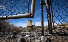 Amid Toxic Waste, a Navajo Village Could Lose Its Land - NYTimes.com