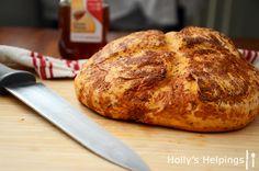 Tomato Basil Bread (copycat for Panera or Paradise Bakery) | hollyshelpings.com