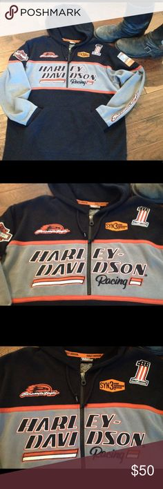 Harley Davison Racing 1/4 Zip Pull-Over Hoodie This 80% cotton and 20% Polyester sweatshirt has a drawstring hood with thermal lining embroidery, appliqué and patches across the front, sleeves and back. It also has a kangaroo style front pocket to keep your hands warm. It is in excellent used condition with light fading due to normal wear and washing, but no holes or stains noted. This men's hoodie will keep you warm and will never go out of style. Harley-Davidson Other