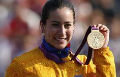 Feliz cumpleaños campeona! Tal día como hoy nació Mariana Pajón reina del BMX - Noticia al Dia