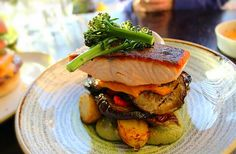 #servedbyname Whiski Rooms #Edinburgh - #LochDuart #salmon with lemon butter sauce, sautéed potatoes and Mediterranean vegetables  #delicious #nomnomnom #eatmorefish