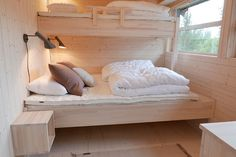 Chalet Interior, Interior Design, Beddinge, Beach Bedroom Decor, Guest Cabin, Cottage Interiors, Tiny House Living, Tiny House Plans, House Rooms