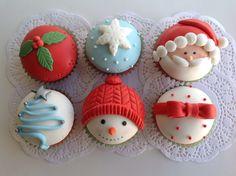 Christmas Desserts, Christmas Treats, Christmas Baking, Cake Decorating Tips, Cookie Decorating, Fondant Animals Tutorial, Cupcake Images, Cake Pops, Flower Cupcakes