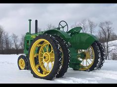 Unstyled John Deere Model A Antique Tractors, Vintage Tractors, Vintage Farm, Antique Cars, Steam Tractor, New Tractor, Old John Deere Tractors, Agriculture Machine, Tractor Accessories
