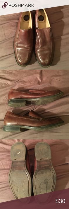 Men's Croft &Barrow Dress Shoes Brown patent leather draws shoes. About 5 years old with some wear. Still in good, wearable condition. croft & barrow Shoes Loafers & Slip-Ons