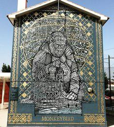 #monkeybird #portugal #lisbonne #louresartepublica #blackandwhite #gold #wall #stencilart #stencil #pochoir #streetart #arturbain #urbanart #art #fresque #painting #architecture #construction #pattern