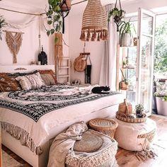 Bohemian Style Ideas For Beautiful Bedroom Decor