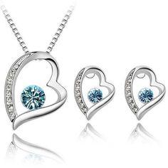 http://stanpresenter.se/smyckeset-18k-vitguldplaterat-kristaller-bla-hjarta-halsband-och-orhange - Vitguld hjarta  halasbad och orhange med kristaller #halsband #smyckeset #sommar #kristaller #tjejerna