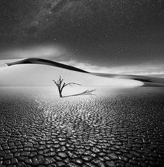Les poses longues en Noir et Blanc de Vassilis Tangoulis Photo