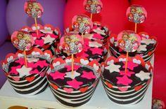 Cup Cake   Massa: Chocolate Recheio: Brigadeiro
