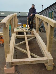 Commission by Landscape Garden Designer Anoushka Feiler to create a chunky yet stylish wooden garden bridge, handcrafted from oak, and an oak garden room. Wooden Bridge Garden, Wooden Garden, Garden Bridge, Garden Pond, Pond Bridge, Palette Deco, Bridge Design, Ponds Backyard, Garden Structures