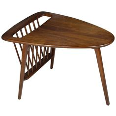 View this item and discover similar for sale at - Walnut magazine table in the style of Jens Risom. Table Furniture, Modern Furniture, Outdoor Furniture, Outdoor Decor, Magazine Table, Mid Century Modern Table, Modern Side Table, Side Tables, Mid-century Modern