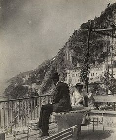 #throwbackthursday #tbt vintage view on the #amalficoast #italy . . . . #travel #traveling #photography #instapic #vacation #visiting #instatravel #instago #instago #instagood #trip #holiday #photooftheday #fun #travelling #tourism #tourist #instapassport #instatraveling #mytravelgram #travelgram #travelingram #igtravel