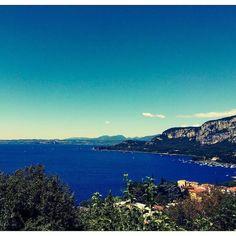 #Repost @gandhi_sabi  Day off. Rocca di Garda #lagodigarda #garda #gardasee #lakeofgarda #instagarda #photogc #nature #color #igtrentino #blu #instagood #instamood #instalike #bestpics #sunnyday #dayoff