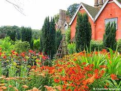 """The """"Hot"""" garden at Wyken Hall"""
