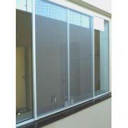 Tela mosquiteira  É um modelo de tela instalado em portas e janelas para evitar a entrada de mosquitos e insetos. Confira mais no link!