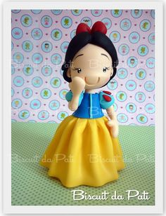 *SNOW WHITE ~ Branca de Neve by Biscuit da Pati, via Flickr
