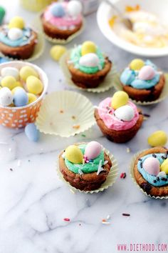 Looking for Fast & Easy Dessert Recipes, Easter Recipes! Recipechart has over free recipes for you to browse. Find more recipes like Easter Cookie Cups with Coconut Buttercream Frosting. Coconut Buttercream Frosting Recipe, Homemade Frosting, Frosting Recipes, Easy Easter Desserts, Easter Recipes, Holiday Recipes, Dessert Recipes, Holiday Treats, Easter Cookies
