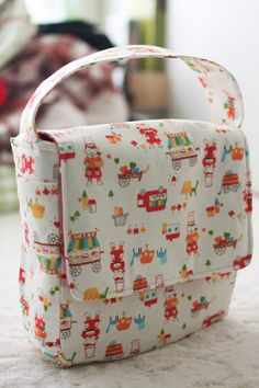 Lunch box pattern, lined with vinyl coated fabric   Probably Actually