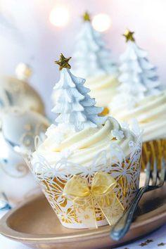 35 Charming Christmas Tree Cupcake Design - Cupcakes Gallery - Page 4 Christmas Tree Cupcakes, Best Christmas Cookies, Christmas Sweets, Christmas Cooking, Very Merry Christmas, Noel Christmas, Christmas Goodies, White Christmas, Elegant Christmas