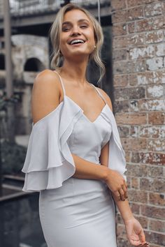 Find your next formal dresses online, including evening dresses and evening gowns at Esther & Co. Buy now, pay later, with AfterPay. Formal Dresses Online, Formal Dress Shops, Formal Dresses For Women, Evening Gowns Online, Evening Dresses, Luxe Clothing, Brunette Models, Races Fashion, Tulip Dress