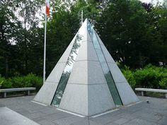 pyramid as a memorial to Irish soldiers in Merrion Square Park. Soldiers, Architecture Design, Irish, Sidewalk, Park, Irish Language, Walkway, Ireland, Architecture Illustrations