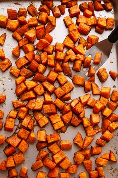 Maple roasted sweet potatoes are a delicious and simple side that's perfect for Thanksgiving or any Fall evening meal. via @jugglingactmama Loaded Baked Potato Casserole, Baked Potato Oven, Potatoe Casserole Recipes, Loaded Baked Potatoes, Mashed Sweet Potatoes, Sweet Potato Recipes, Glazed Baby Carrots, Garlic Green Beans, Green Bean Recipes