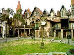 il sorprendente borgo medievale è in Campanópolis Gonzalez Catan, nel cuore di La Matanza.