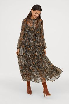 Ankle-length dress in chiffon with a printed pattern. Small stand-up collar, concealed buttons at top, dropped shoulders, and long, wide sleeves with elasti Fashion Art, Boho Fashion, Fashion Looks, Womens Fashion, Floral Fashion, Fashion Styles, Fashion Online, Fashion Ideas, Modest Fashion