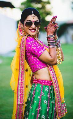 New Ideas For Wedding Photography Poses Getting Ready Indian<br> Indian Bride Photography Poses, Indian Bride Poses, Indian Wedding Poses, Indian Bridal Photos, Wedding Couple Poses Photography, Bridal Photography, Photography Tricks, Wedding Photos, Bridal Photoshoot