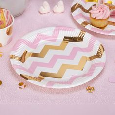 Jazz up your party table with these glamorous plates from the Pattern Works range. Featuring a distinctive chevron design in pink and gold against a white background, these plates bring some sparkle to your celebration and can be mixed in with other pieces in the collection, including paper cups, napkins, table confetti and a full selection of decorations and accessories.