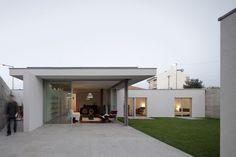 House in a Wall, House in a Wall Porto, House in a Wall Sergio Koch, Sergio Koch - http://architectism.com/house-wall-sergio-koch/