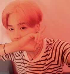 Find images and videos about kpop, bts and jimin on We Heart It - the app to get lost in what you love. Park Ji Min, Seokjin, Namjoon, Yoongi Bts, Taehyung, Busan, Mamamoo, Jikook, Jung Hoseok