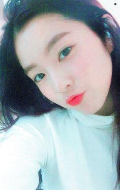HQ Irene #RedVelvet #IRENE #레드벨벳 Red Velvet アイリーン, Irene Red Velvet, Kpop Girl Groups, Korean Girl Groups, Good Raps, Sm Rookies, Fan Picture, Beautiful Gorgeous, Seulgi