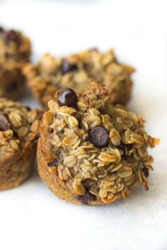 Banana Oatmeal Breakfast Muffins - Six Sisters' Stuff | These muffins are filled with healthy, natural ingredients that will keep you full all morning! Great for on-the-run breakfasts. #breakfastrecipe #healthymuffins #sixsistersrecipes