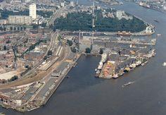 Een haven, zoals die wij ook mogen bebouwen. Hier is ook veel bebouwing maar niet zoveel groen. Dit willen wij dus gaan verbeteren in onze wijk.