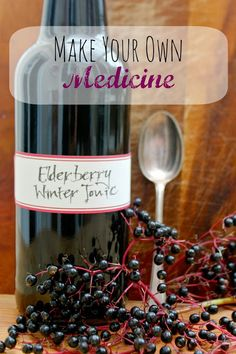 Elderberry Winter Tonic Syrup with Fresh Elderberries Elderberry Winter Tonic– Make your own medicine!:Elderberry Winter Tonic– Make your own medicine! Natural Home Remedies, Natural Healing, Herbal Remedies, Health Remedies, Cold Remedies, Bloating Remedies, Healing Herbs, Natural Oil, Holistic Remedies