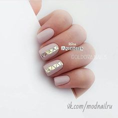 Top 100 matte nail art design ideas page 23 Trendy Nail Art, Stylish Nails, Elegant Nail Designs, Nail Art Designs, Geometric Nail, Hot Nails, Green Nails, Creative Nails, Matte Nails