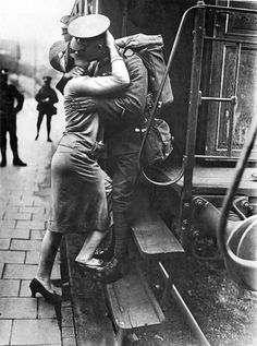 romance-wartime-photos-43