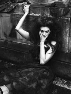 Anne-Hathaway-by-Mert-and-Marcus-7515