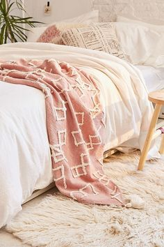 Shop Geo Tufted Tassel Throw Blanket at Urban Outfitters today. Diy Home, Home Decor, Boho Bedding, Luxury Bedding, Bedding Sets, Neutral Bedding, Pink Room, Master Bedroom Design, Sweet Home