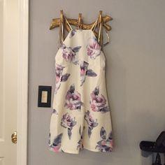 Toni floral silk mini dress halter neck new. XS New fit a size 0- 2 Tobi Dresses Mini