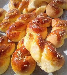 Greek Pastries, Greek Sweets, Homemade Dinner Rolls, Almond Cookies, Pretzel Bites, Cake Recipes, Recipies, Food And Drink, Favorite Recipes