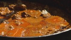 Salisbury Steak Some people live all their lives without knowing how to make this right. Supper Recipes, Meat Recipes, Easy Dinner Recipes, Easy Meals, Cooking Recipes, Mince Dishes, Beef Dishes, Wolfgang Puck Recipes