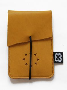 Yellow Iphone 4 case, black elastic. With creditcardholder