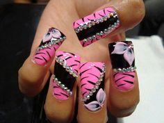 Pink blk rhinestone flower nails